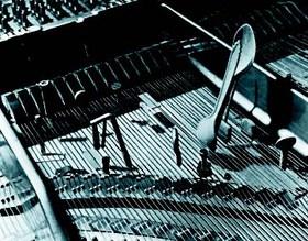 Von John Cage präpariertes Klavier
